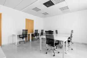 15-osobowa powierzchnia biurowa na planie otwartym wlokalizacji Regus Andersia Business Centre